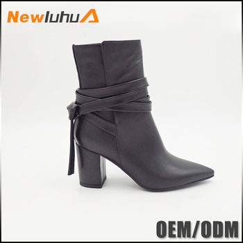 China supplier 2017 black chunky heels pointed shoes woman fashion ankle boot