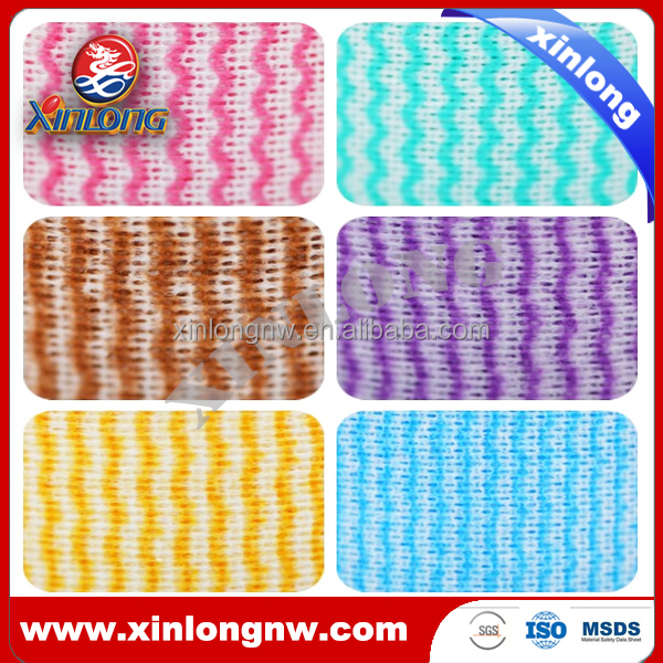 Printed spunlace nonwoven fabric with wavy line pattern