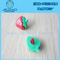 China Factory Plastic Strawberry Shape Button For Children Craft