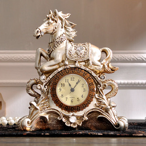 Antique Horse Statue with Creative Clock on Desktop for Home Decoration