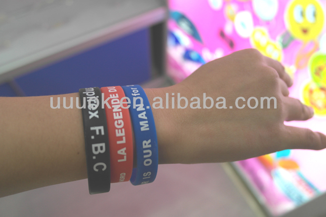 Cheap custom personalized silicone bracelet