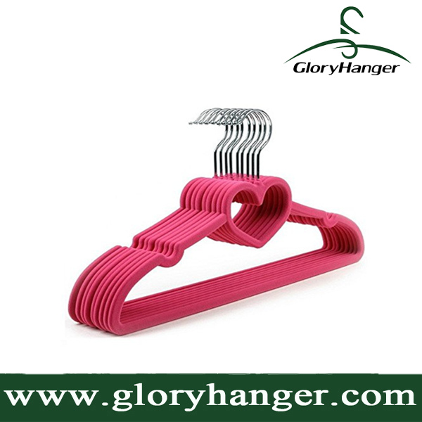 Ultra Thin Non-slip Pink Velvet Clothes Hangers with Love Shape