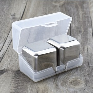2018 hot Seller 2pcs Plastic Box Packing 40mm Square Stainless Steel Reusable Ice Cubes, Whiskey Chilling Stones