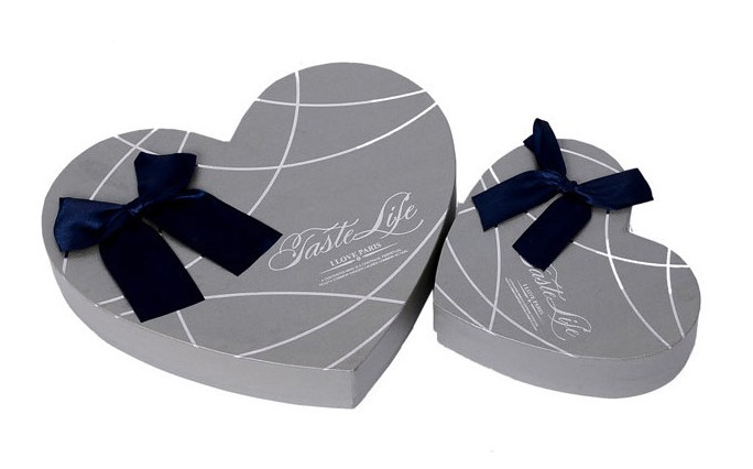 customized heart shape logo printed silver grey wedding/chocolate/candy/jewelry cardboard box with lid