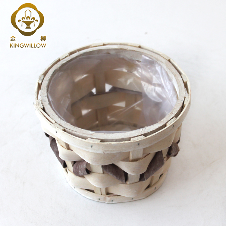 Round handmade woodchip flower pot with Plastic liner