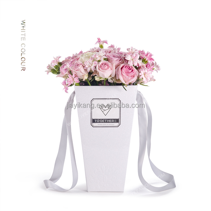 cecef1dfeffe Customized Flower Carry Bags With Hanging For Potted Plant Bags ...