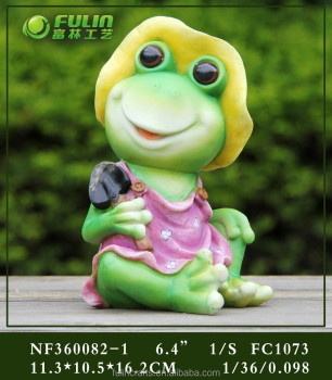 Sitting Frog Outdoor Garden Decor