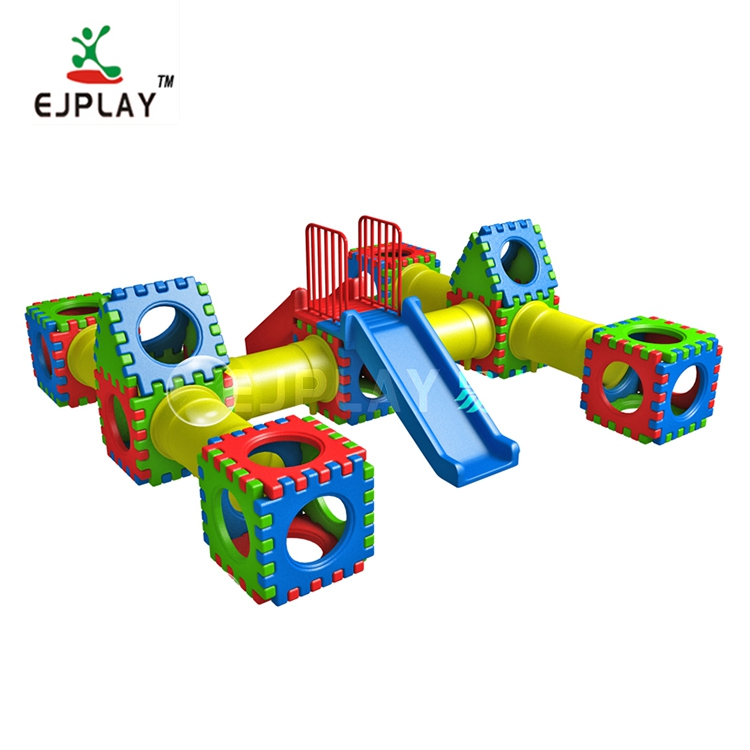 Colorful plastic daycare toys building blocks playhouse for kids