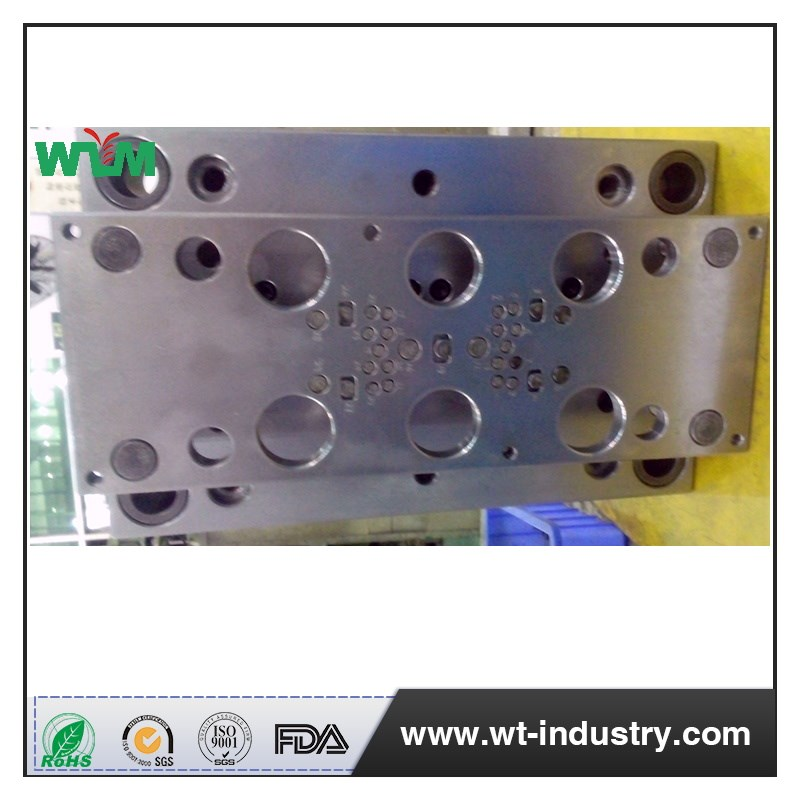 Custom Manufacture of Plastic Injection Mold Maker of Automobile Water Cup Holder