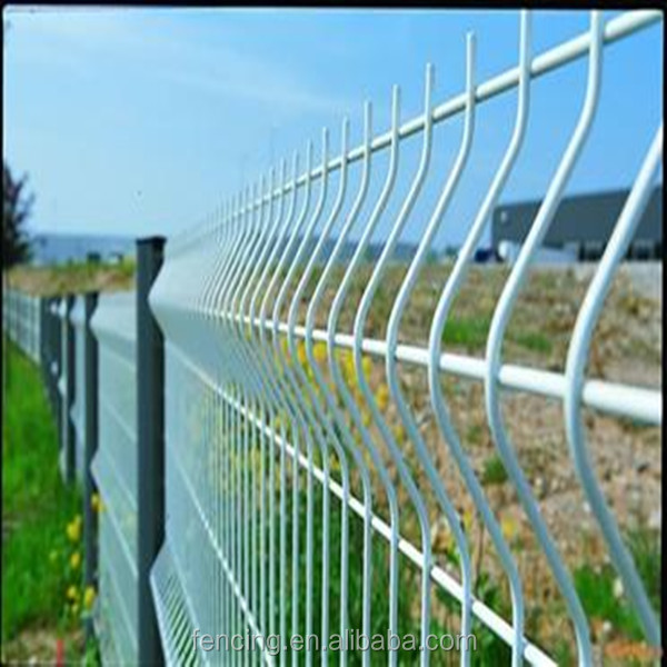 Green PVC Coated Triangle Bending Fence ,curvy welded wire mesh,pvc coated welded wire mes