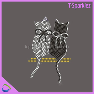 Black and crystal hot fix cat motif for clothes,bags,caps decoration