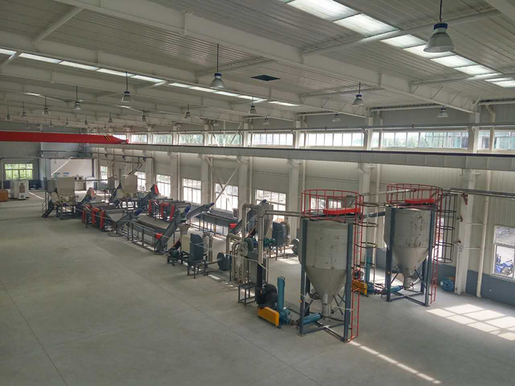 PP PE waste plastic crushing washing recycling production line