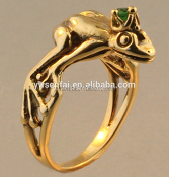 Wholesale Latest Design Zinc Alloy Antique Gold Plated Frog Rings