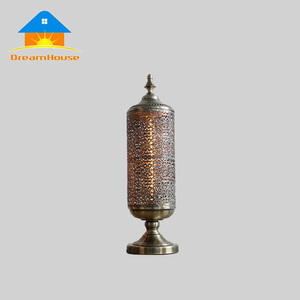 Vintage die-casting lace bronze table concrete lamp manufactures in china