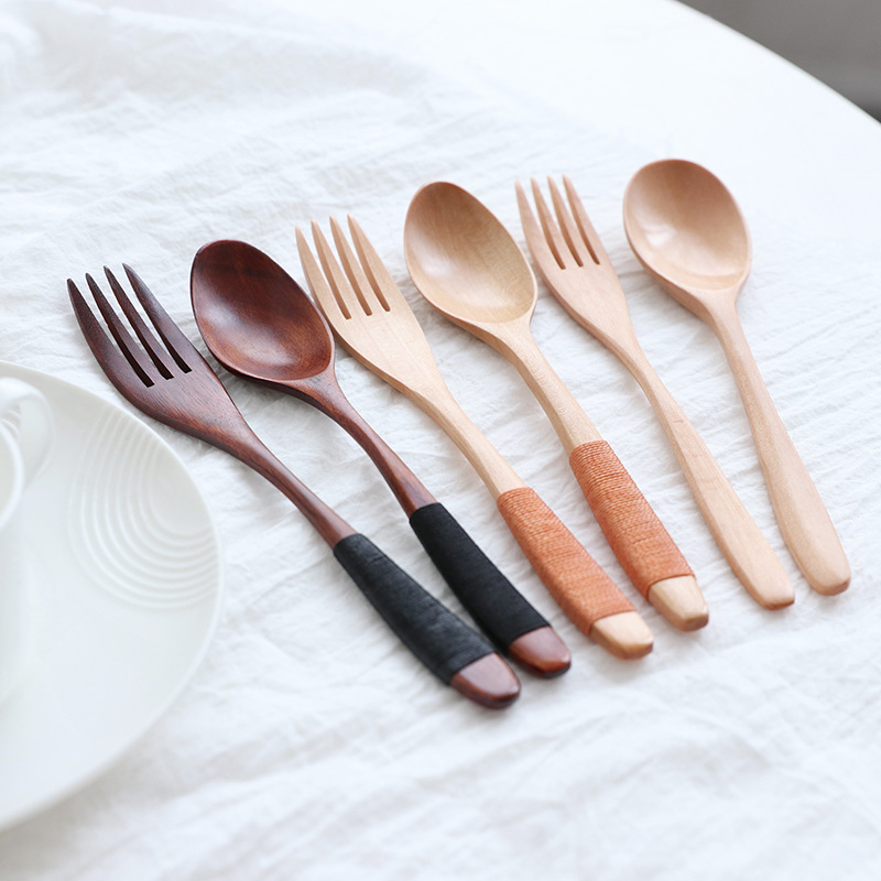2018 Hot Sale Wooden Restaurant  Cutlery Set Including Wooden Forks and  Spoon  Customize logo