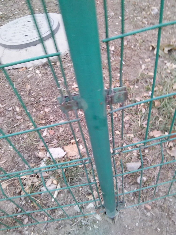 1.65m*2.04kgs/m Farm Fence Metal Post