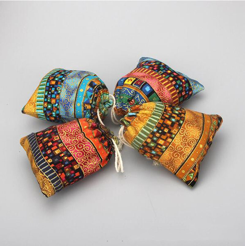 Handmade 9x12cm Egypt and India Mysterious Style Colorful Tassel Jewelry Bags Gift Candy Jute Bags For Wedding Favors