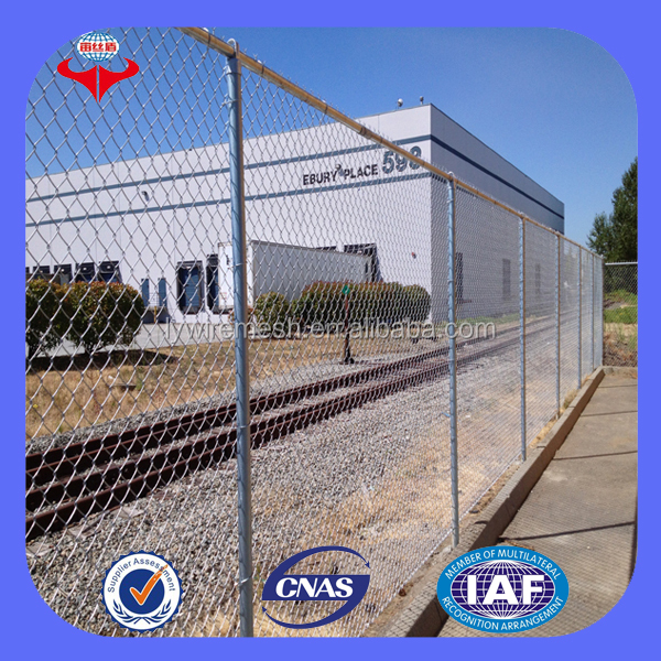 Anping cheap diamond shaped galvanized pvc coated chain link fence/mesh/fabric(ISO9001 Factory)