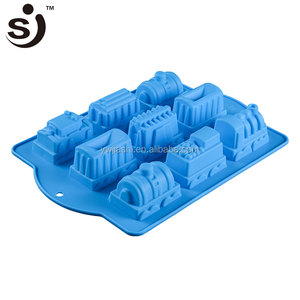 New Arrival 3D 9 Cavities Train Shape Fda&Lfgb Certification Fashion Pan Silicon Cake Mold For Cake