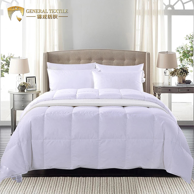 C32 Soft Customized Down-proof 5 Star Hotel Summer Duck Down Feather Quilt