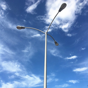 Conical Polygonal Single Arm Galvanized Road LED Light Pole for High Way