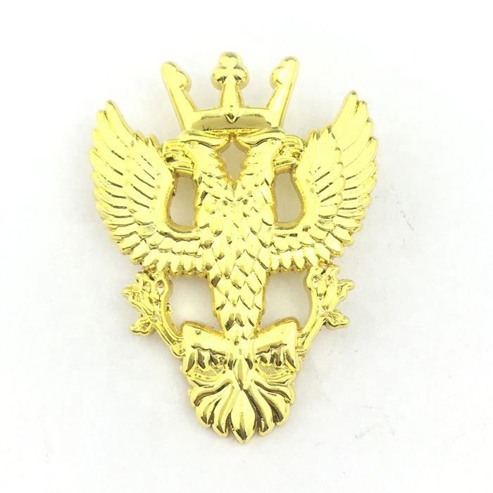 Customized <strong>LOGO</strong> and shape high quality soft enamel gold metal badges,lapel pins