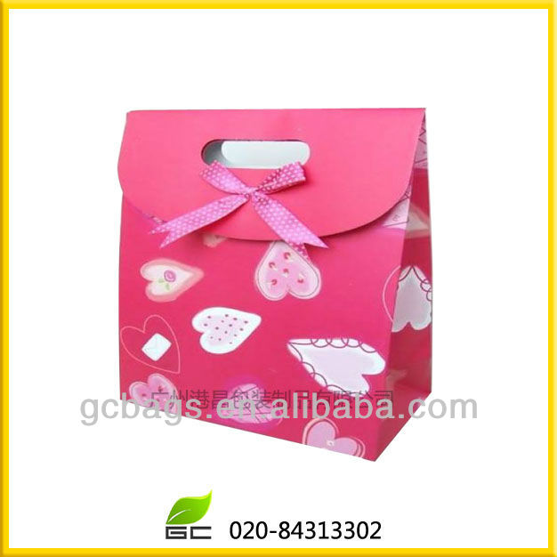 Pretty gift paper packing bags for birthday