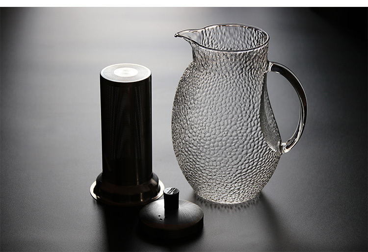glass-pitcher-with-infuser.jpg