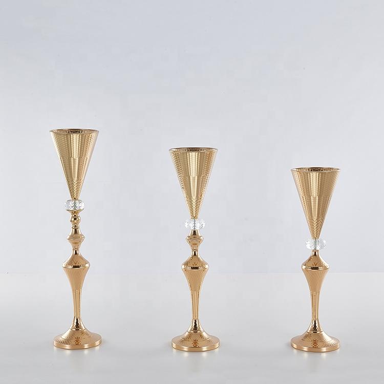Glod Metal plating V-type vases for home decor