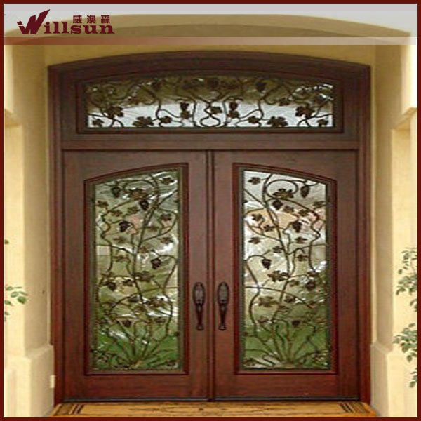 Puertas de doble panel de dise o de hierro forjado y for Disenos de puertas en madera y vidrio