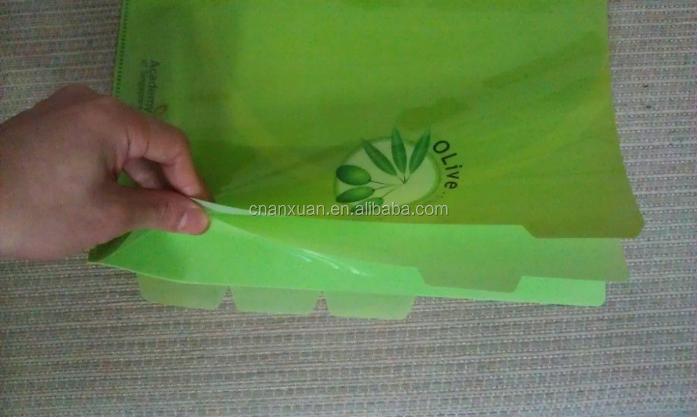 A4 plastic file folder with divided index
