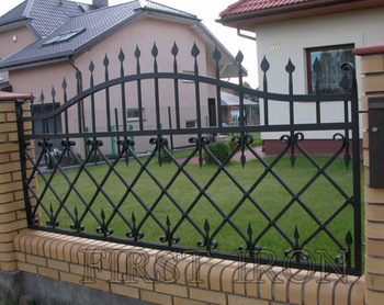 Prefab Wrought Iron Fence Design For Villa Garden