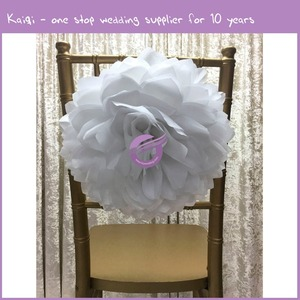 FQ00058 wholesale ruffle white fabric Flower for Chiavari chair
