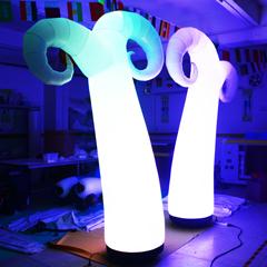 2019 Vendita Locale Notturno Bar Decorazione di Illuminazione Rotonda Tubolare Gonfiabile Colonna di LED