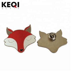 2D design lovely animal soft enamel metal badge