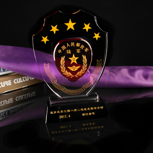 China Clear High Quality And Custom K9 Crystal Medal And Award Trophy Model With Black Gold Base For Souvenir And Award