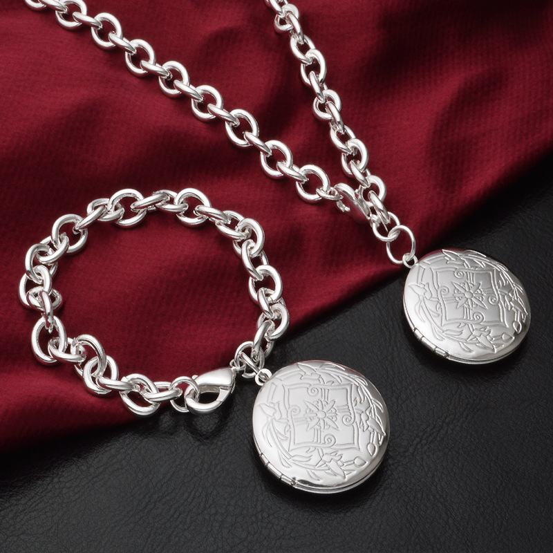 Wholesale Silver plated Circular Photo Box Necklace and Bracelet Photo Locket фото