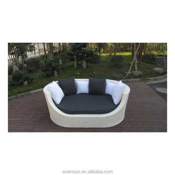 Oval Outdoor Sleeper Sofa Rattan Abaca Sofas