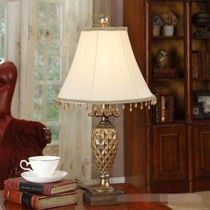 Hot sale luxury resin base european style crystal mosaic portable luminaire led table lamp
