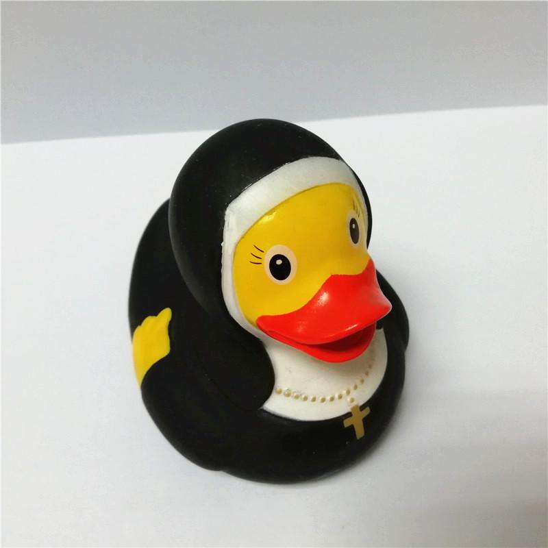 Custom nun plastic duck toys, promotional funny sister rubber bath ducks with logo
