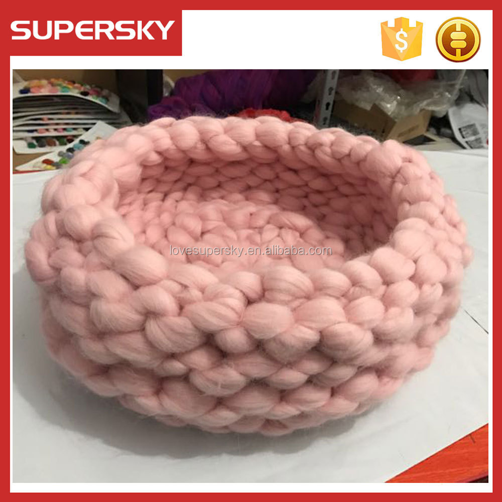 A325 Chunky Knit Cat bed Nest Chunky Yarn Pet Cave Cat Bed Hand Knitted Pet Bed Cat Nest