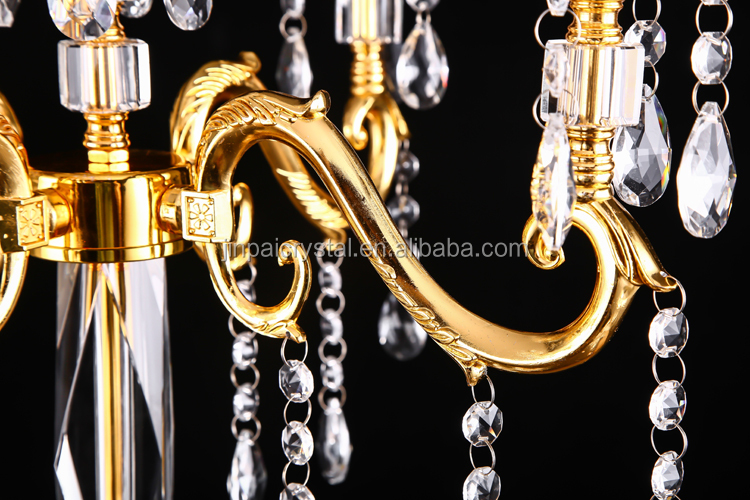 2018 new golden China wedding decoration centerpieces crystal candelabra for tables