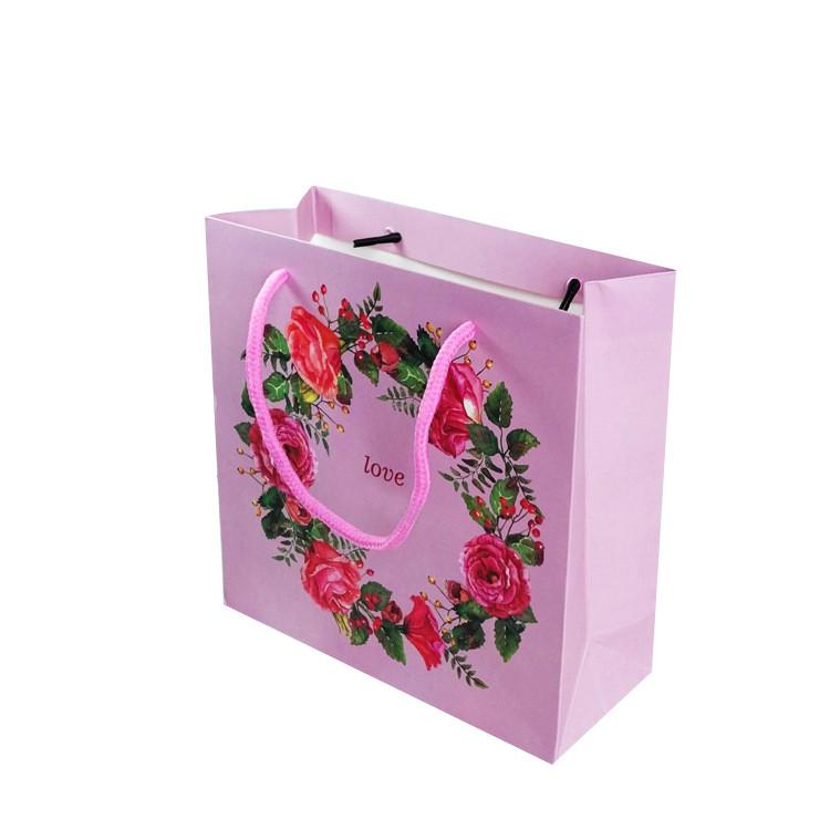 China lieferant design fokus geschenk taschen großhandel blume holiday benutzerdefinierte geschenk papiertüte valentine geschenkbeutel papier