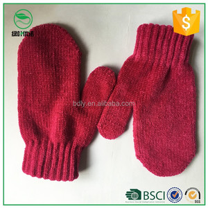 Wholesale cheap custom 100% polyester Knitted red mittens