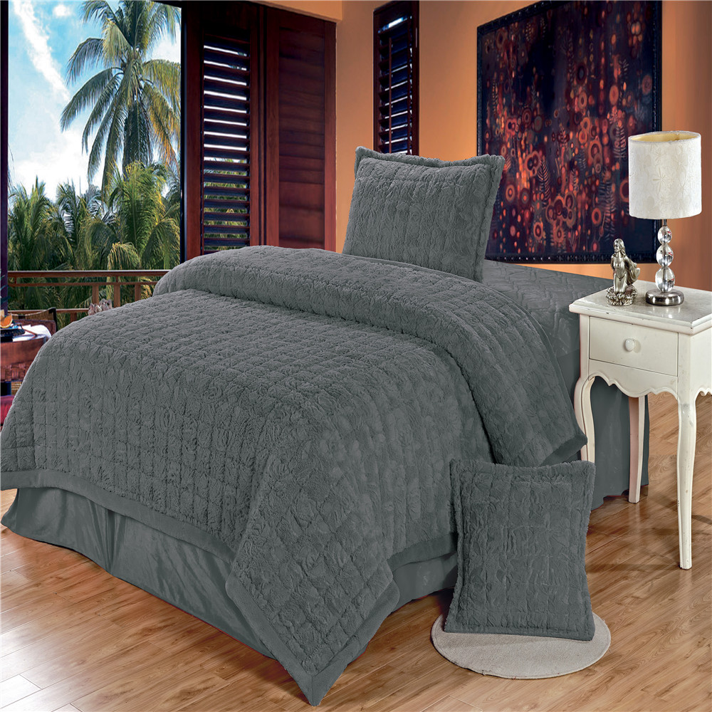 Top quality factory wholesale 10cm pv velvet brushing cheap comforter sets prices