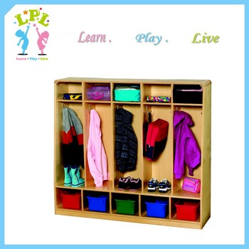 Kindergarten Furniture Used Daycare Furniture Five Section Wooden Kids  School Locker For Sale