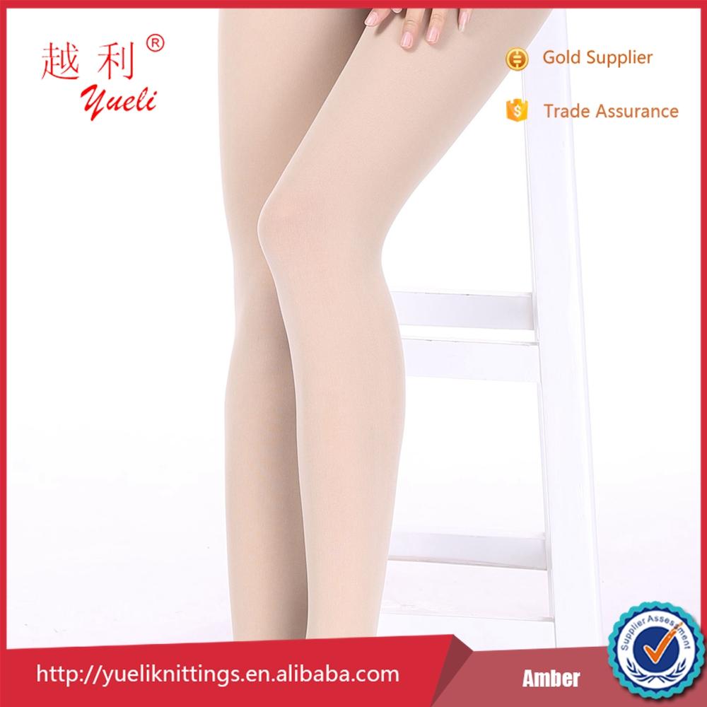stockings Goede neukbeurt voor oma in lingerie