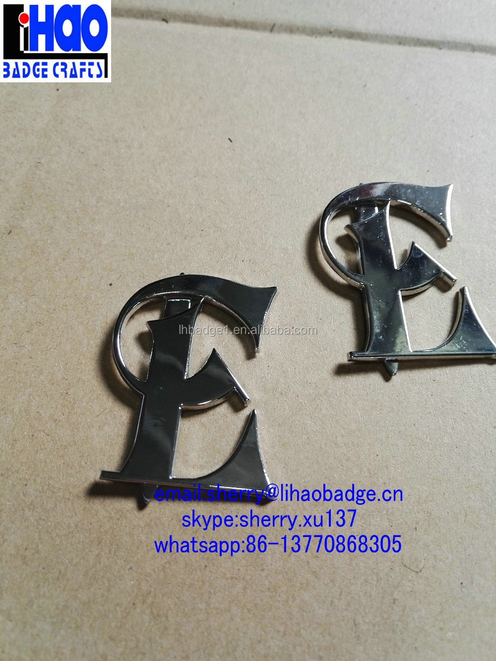small metal alphabet E letter logo pin plate label for jackets and hats