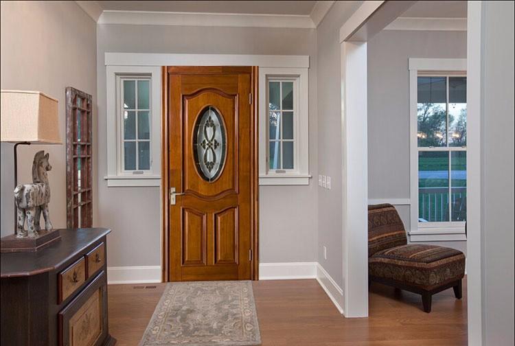 Apartamento puerta exterior cristal oval inserta la puerta for Puertas de ingreso de madera