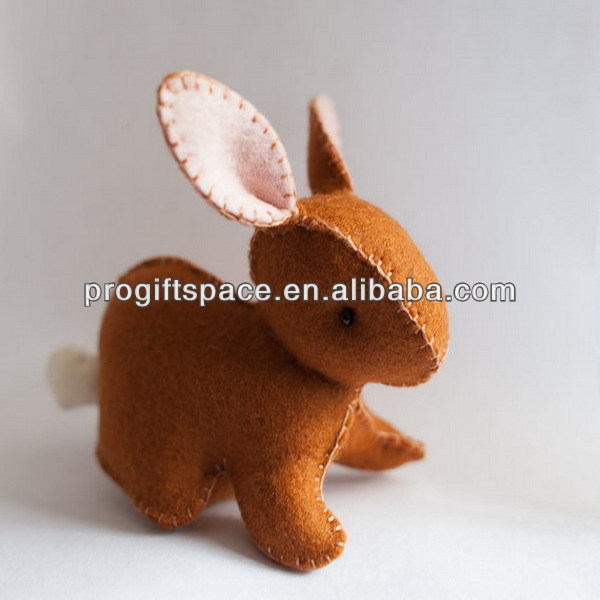 Hot new bestselling product wholesale alibaba Eco friendly finished wool felt Easter Rabbit Pattern plush toy made in China